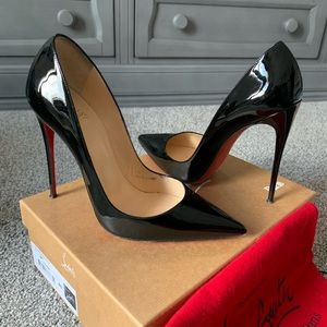 Black So Kate pumps